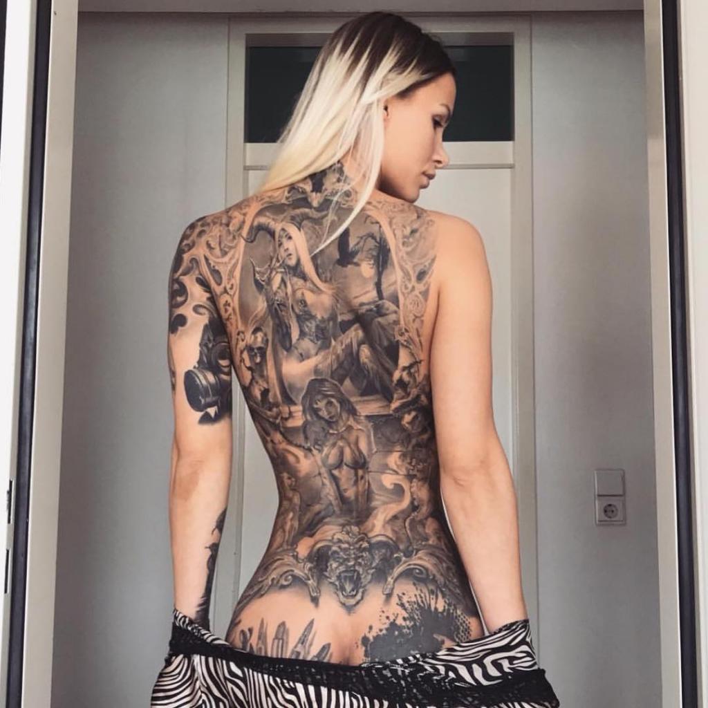 Трахает Девушку С Татуировкой На Пояснице (35 Фото)