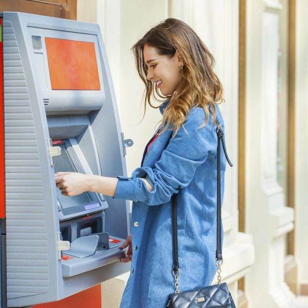 кто придумал банкомат