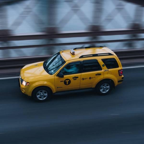 Таксистов-нелегалов привлекли к ответственности