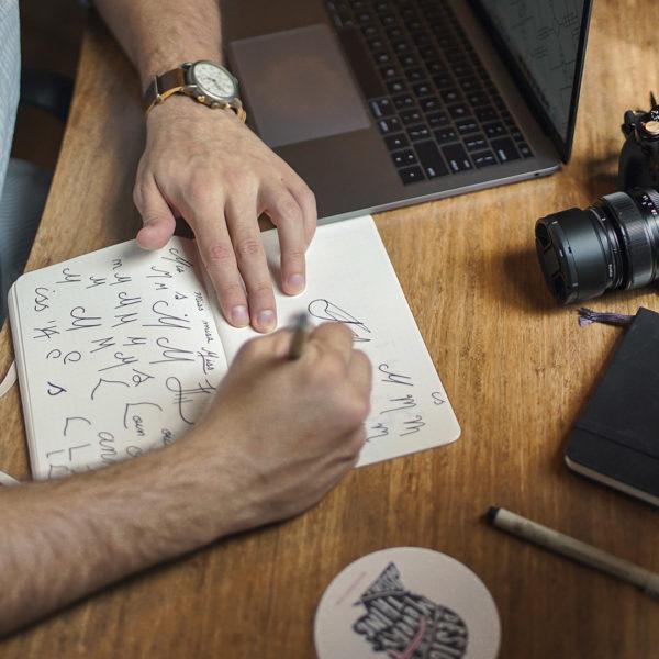 элементы визуального фирменного стиля